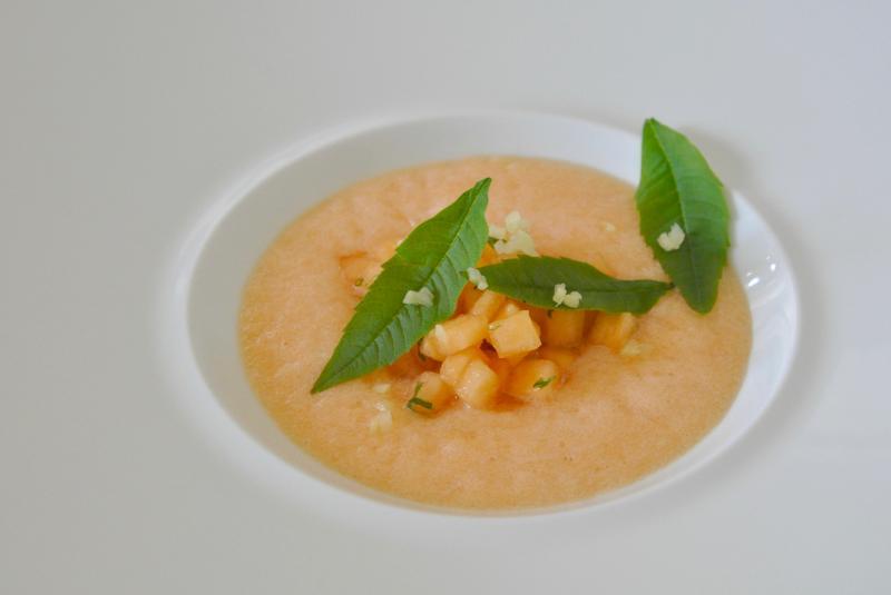 Melon mariné à la verveine citron, smothie melon floc blanc et gingembre
